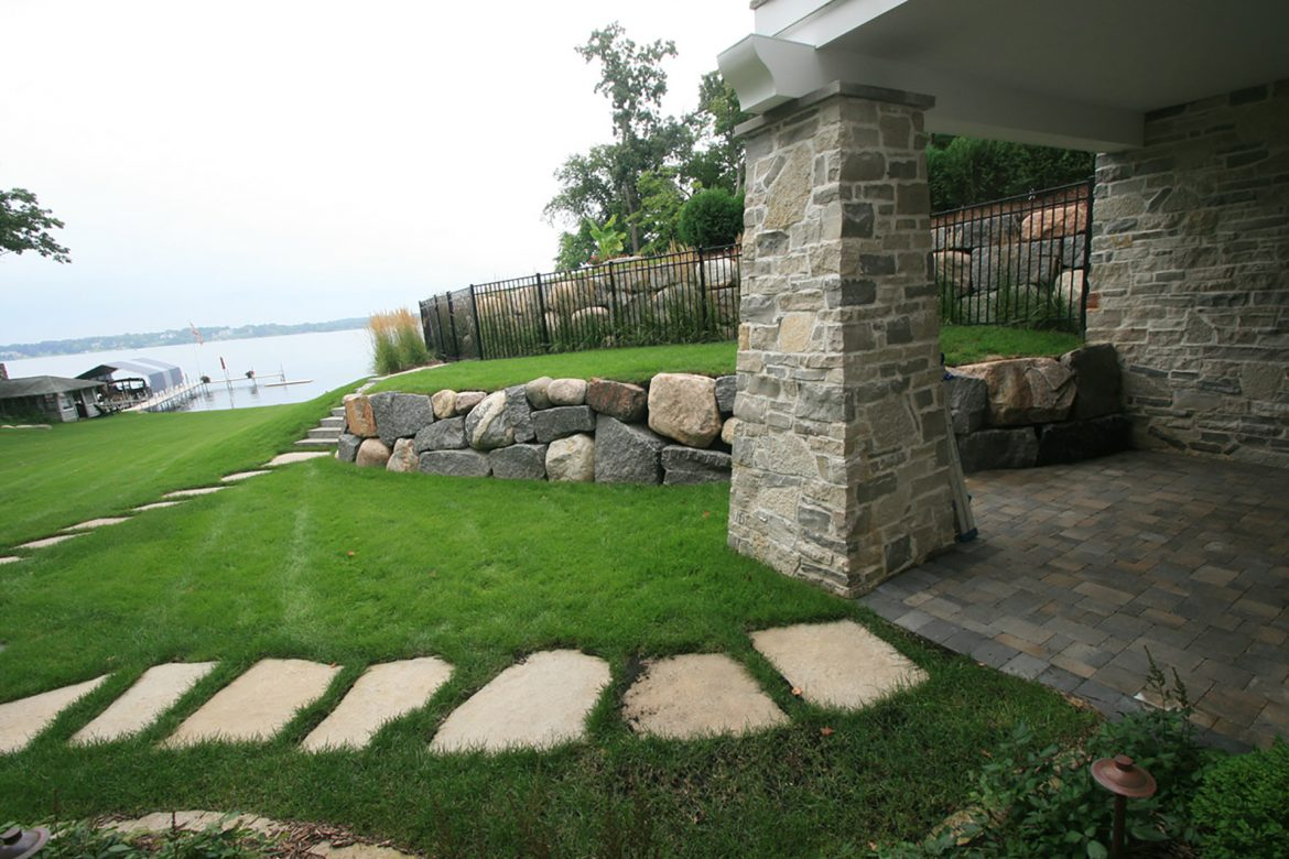 Stone Retaining Walls and the Features of That